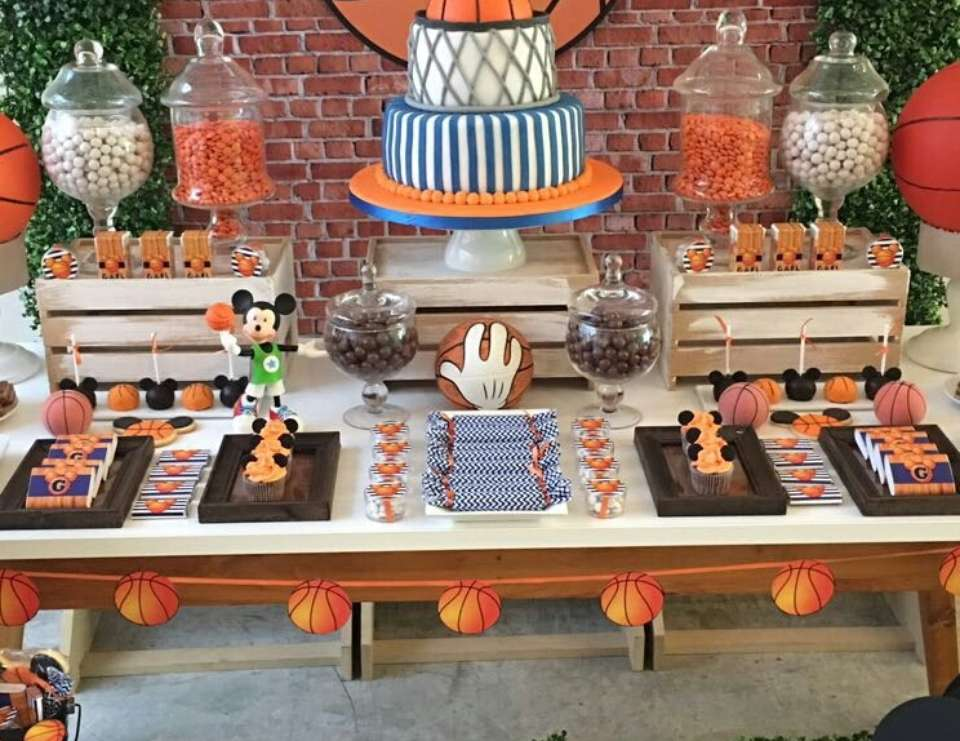 Mickey Basketball Party - Mickey Mouse