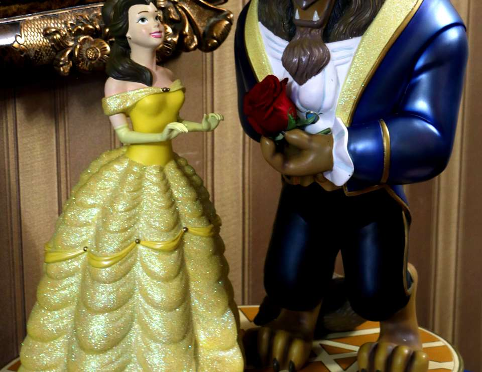 BEAUTY AND THE BEAST SWEET 16 - Belle / Beauty and the Beast