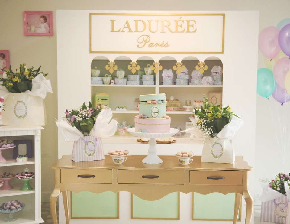 Ladurée loves Hello Kitty - Ladurée's Hello Kitty Collection