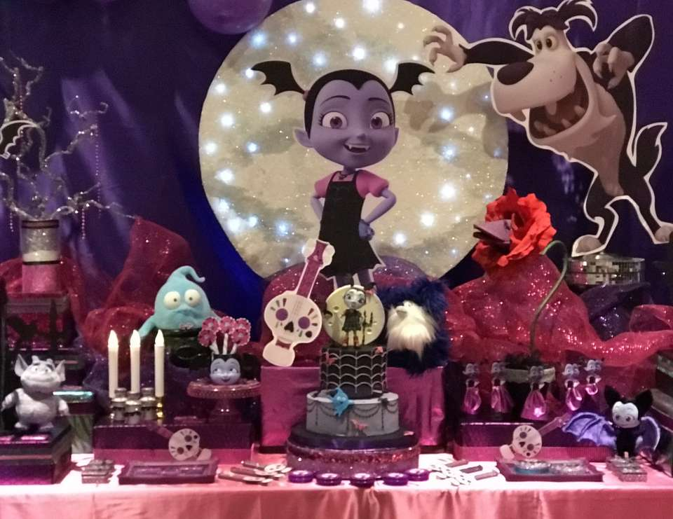Vampirina Party - None