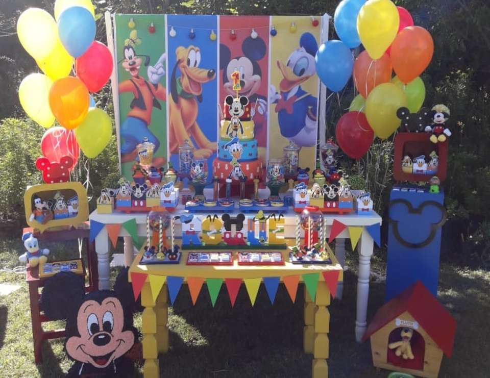 Roque's Mickey & Friends 1st birthday party - Mickey Mouse