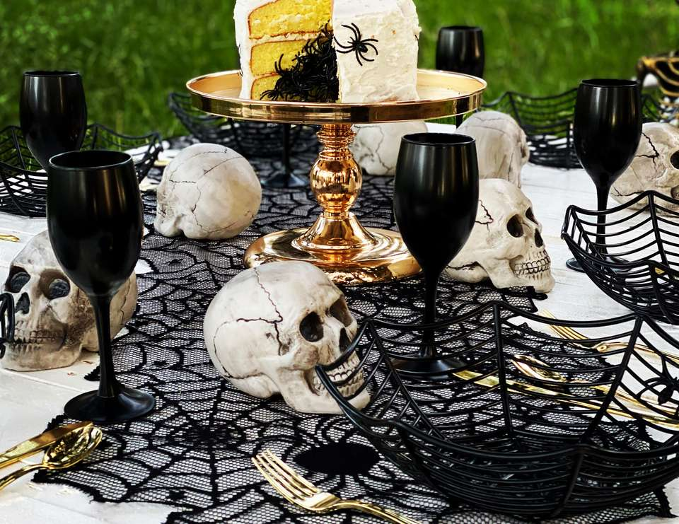 Spooky Skeleton Dinner Party - Halloween