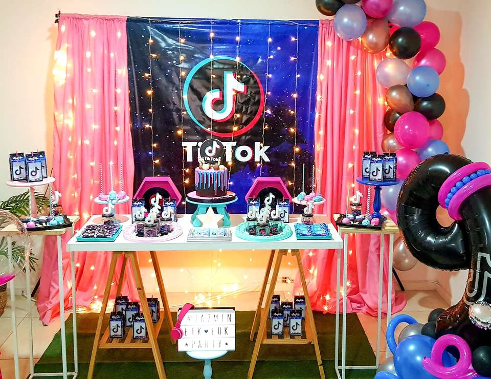 Tik Tok Birthday Party - Tik tok