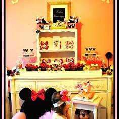 Malu Boutiques Photo Shoot Inspired by: Minnie Mouse - Mickey Mouse Clubhouse or Minnie Mouse