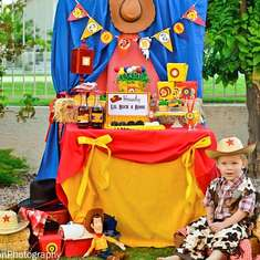 Woody's Round-Up!  - Cow boy Toy Story Woody and Jessie