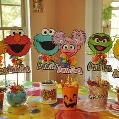 Follow Annika to Sesame Street - Sesame Street Party