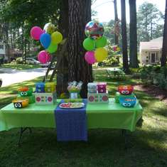 Yo Gabba Gabba 2nd Birthday Party - Yo Gabba Gabba and Rainbow Colors