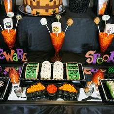 Spooky Halloween - Halloween Tablescape for Kids