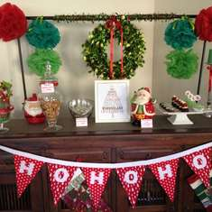 Traditional christmas table  - Red and Green Christmas Party
