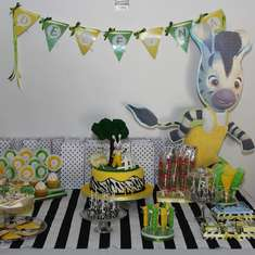 Delfina's Zou Bithday Party - zebra