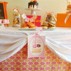 Charlie's donut shoppe - Pink and orange donut bar