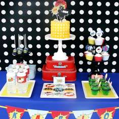 Superhero Birthday - Vintage Superhero