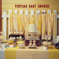 Haley's baby shower - Yellow vintage