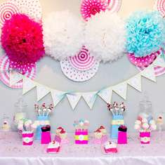 Adorable Cupcake Party - Cupcakes!