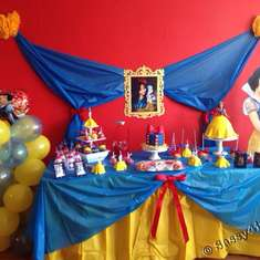 Snow White Birthday Party - Snow White