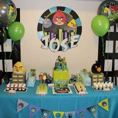 Jose's 4th Birdsday Party - Angry Birds City