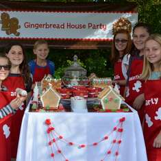 Gingerbread House Decorating Party - Kid Friendly Gingerbread House Party