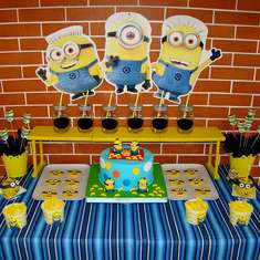 Breakfast with the Minions - Despicable Me / Minions