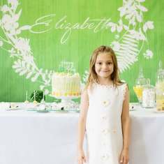 Elizabeth's White Daisy Birthday Party - Daisy