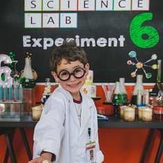 Caio's Mad Scientist Party - Science