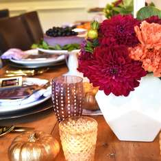 A Beautiful Thanksgiving at Home - Friendsgiving