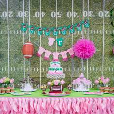 Touchdown or Tutus gender reveal party - Touchdown or Tutus
