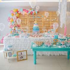 Mermaids birthday party - mermaid