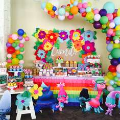 The CRAZiEST & FUNNiEST PARTY EVER! - Trolls Party