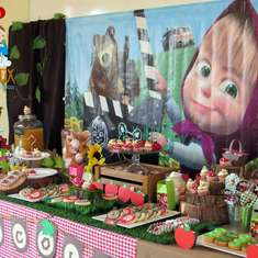 Masha and Bear Picnic Party - Masha and the Bear