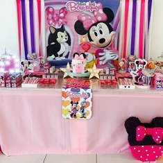 Minnie Mouse birthday party - Minnie Mouse Bowtique