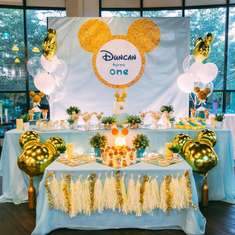 Gold Mickey 1st birthday party - Gold Mickey