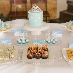 Pippa's Ice Princess 3rd birthday party - Frozen (Disney)