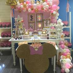 Minnie Mouse knows how to celebrate! - Minnie Mouse Pink and Gold