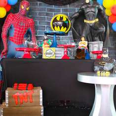 Superhero birthday party - Superheroes