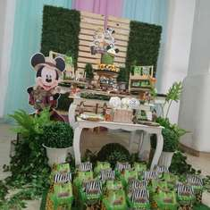 Safari birthday party - Mickey en la Jungla