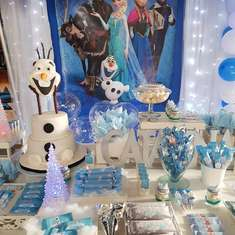 Catalina's Frozen birthday party - Princess