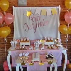Pía's 1st birthday party - Crowns