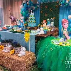Sunflowers and the snow birthday party - Frozen Fever Party