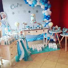 Let it go... Frozen birthday party - Frozen