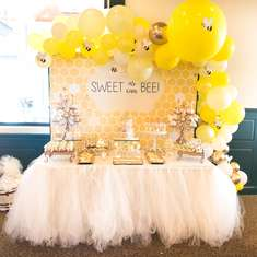 Throwing a Bee Themed Baby Shower - What will it Bee