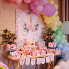 Isidora's Rainbow and Unicorn birthday party - Rainbows