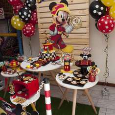 Mickey on Wheels birthday party - Mickey sobre Ruedas