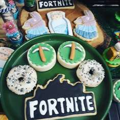 Fortnite birthday party - Royale Battle