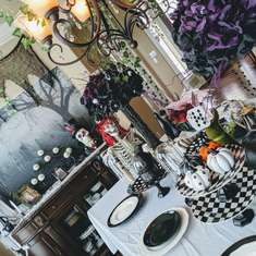 Alice in Wonderland. Dark tea party - Alice in Wonderland