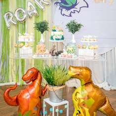 Dinosaur birthday party - Dinosaur Theme