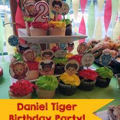 Daniel Tiger themed Birthday party - Daniel Tiger, Christmas