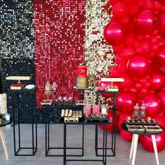 Chocolate table / Gold, red & black - Gold, red & black