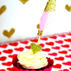 Cupids-arrow-valentines-day-cupcake-toppers