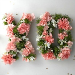 Monogram-floral-centerpiece-diy