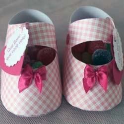 Paper-baby-shoes-favors